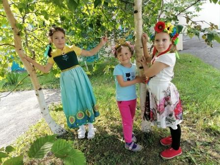 Фрагменты солнечного лета — счастливые дети — праздник русской берёзки